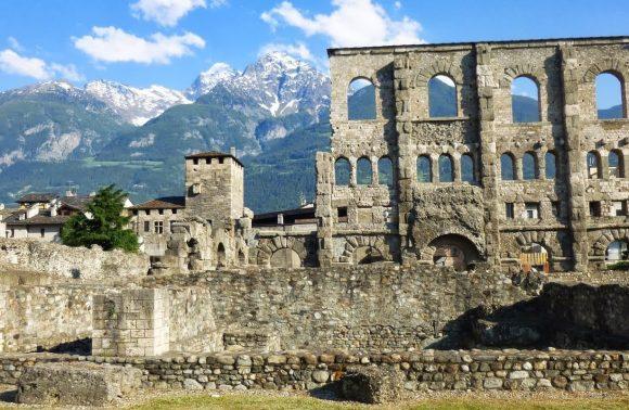 Aosta, Castelli e Gran Paradiso