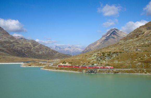 Trenino Rosso del Bernina e il Ghiacciaio del Morteratsch