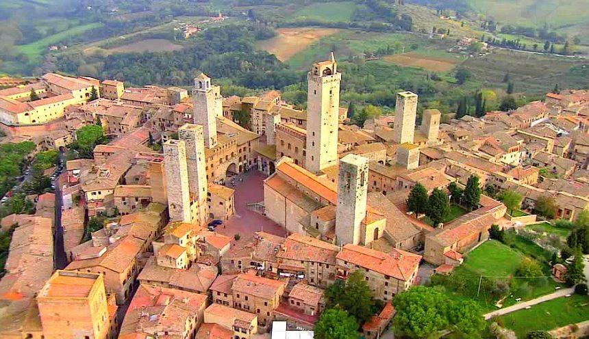 il viaggio di istruzione include l'uscita didattica a San Gimignano