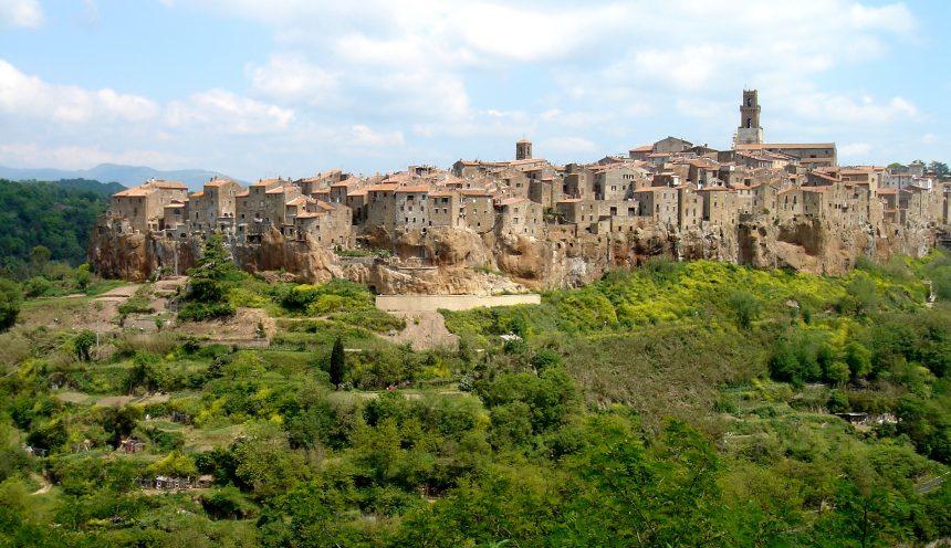 uscita didattica - via della Cave di Pitigliano e Sovana